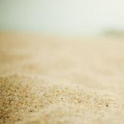 mnml_beach_ipadr.jpg
